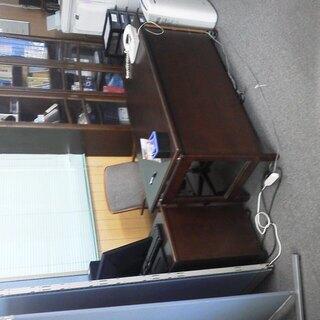 値下げしました。高級オフィス家具セット(机・椅子・袖机・本棚セッ...
