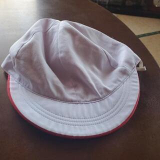 赤白帽子2つ