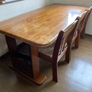 6人掛けテーブルの画像