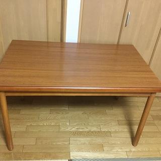 値下げの値下げ❣️食卓テーブル、籐の椅子2組❣️美品の画像