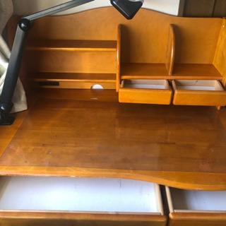 茶色 勉強机 棚 椅子