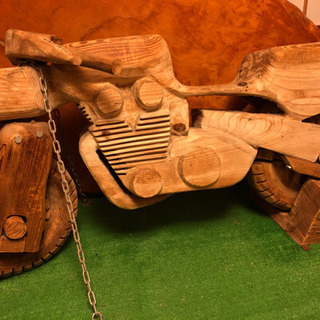 木彫りのバイク