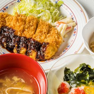 通勤楽々! 飯能駅前 社員食堂の調理のお仕事(調理、盛付、提供、...
