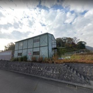 敷地面積100坪以上でプレハブ倉庫付き♫駐車場も多数可能♫資材置...