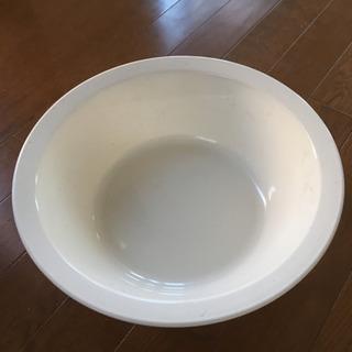 真っ白な洗面器未使用品
