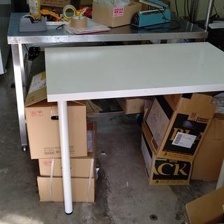 IKEA 白テーブル 作業用、棚として、荷物置きに