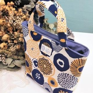 北欧風のころんとかわいい小さめトートバッグ