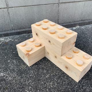 ヒノキの木製ブロック