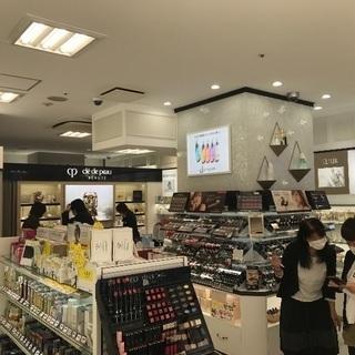 四日市近鉄駅前ふれあいモールの化粧品店オープン