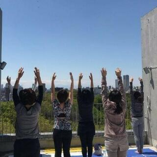 Morning yoga@rooftop~自然を体感~