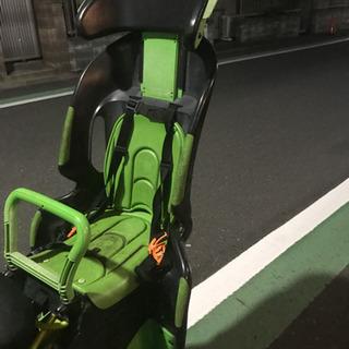 OGKの自転車の後ろに取り付けるチャイルドシートです。