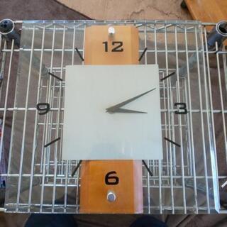 時計  壁掛け時計  ガラスの時計  作動確認済み