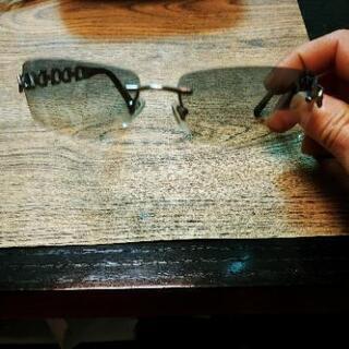 本日限定、フェラガモのサングラス