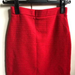 CECIL McBEE赤のタイトスカート