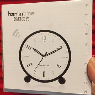 新品 目覚まし時計 ブラック 大音量 ライト機能