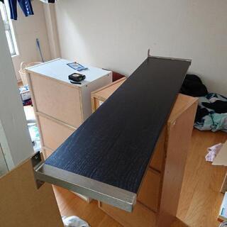 IKEA 棚 壁掛け 黒 譲ります。