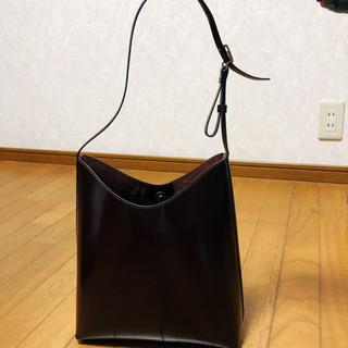 赤茶色ショルダーバッグ