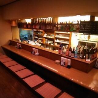 居酒屋での接客、調理補助