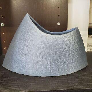 青色 山型 陶器の花器 生け花