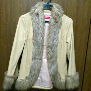 INGNI ベージュのフェイクファー付きコート