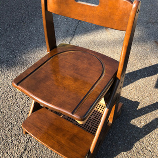 学習椅子、ドレッサー用椅子に 木製椅子です。