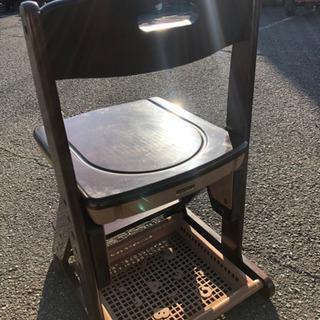 学習椅子、ドレッサー用椅子に 木製椅子です。 - 裾野市