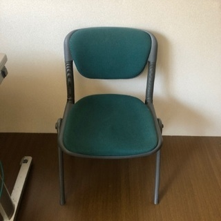 オフィス用の椅子3脚