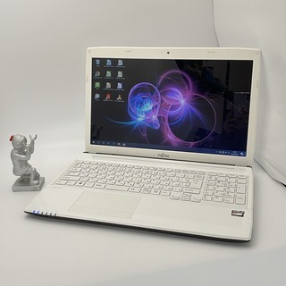 富士通 メモリ4GB HDD500GB ノートパソコン