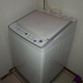 三菱全自動乾燥洗濯機7kgサイズです。
