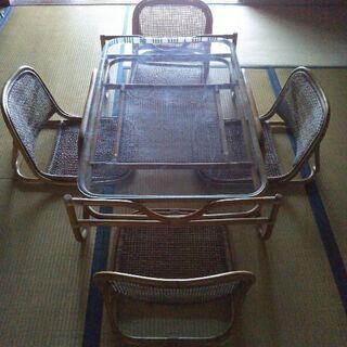 籐製テーブル&椅子4脚セット
