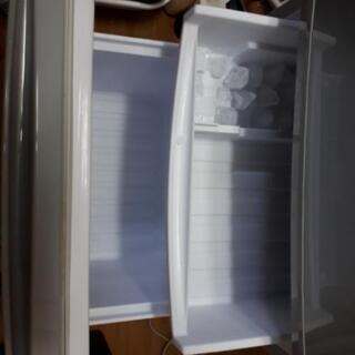 シャープ SHARP 2ドア ノンフロン冷凍冷蔵庫 137L SJ-D14C-S 2016年製 つけかえどっちもドア 冷蔵庫  137L SJ-D14C-S     - 売ります・あげます