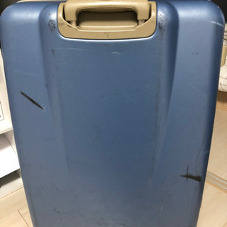 スーツケース 0円 タイヤ損傷あり