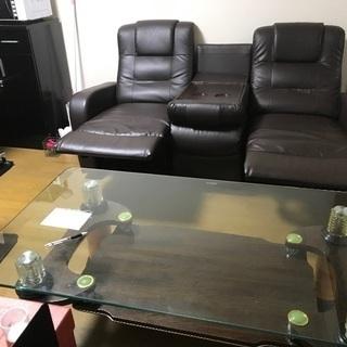 3人掛けソファー、テーブル
