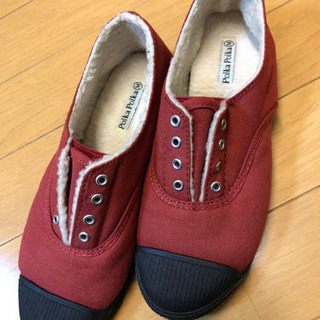 赤いスニーカー Mサイズ 美品