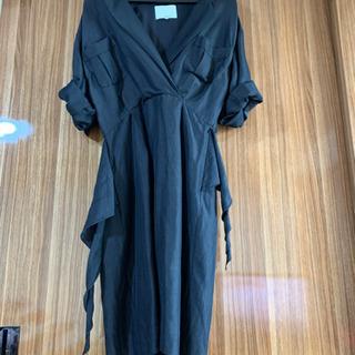 黒スーツドレス
