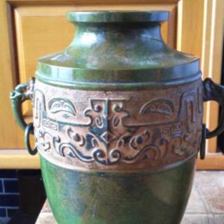 銅製の花瓶