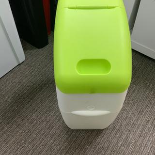 アップリカ ベビー用品 ゴミ箱 本体 中古^_^