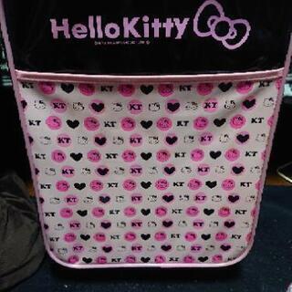 HELLO KITTY キャリーケース 売ります!