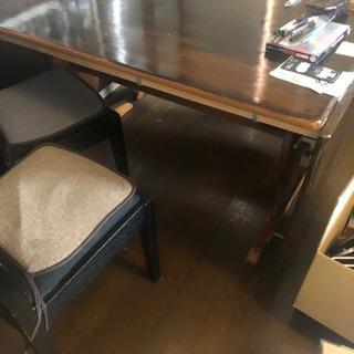 バタフライ伸長式ダイニングテーブルセット
