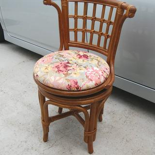 《姫路》【籐張り】コンパクト回転椅子