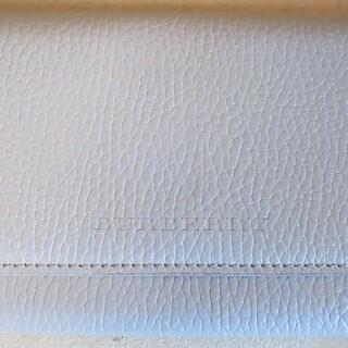 ☆バーバリー BURBERRY 高級感溢れる長財布◆落ち着いたデザイン