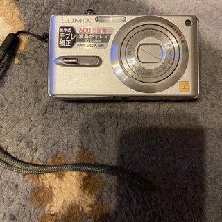 デジカメ lumix DMC-FX9 予約されました。