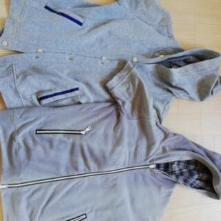 パーカーやシャツ3種類まとめ売り
