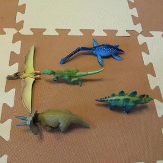 アニア10体 + 恐竜アドベンチャーパーク