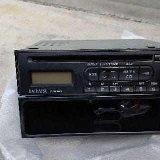 ダイハツタントカスタム取り外しCDラジオ