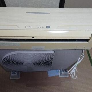 東芝エアコン6畳用 2004年製 工事費込み❗