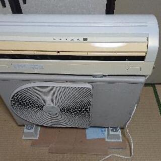 東芝エアコン10畳用 2004年製 工事込み❗
