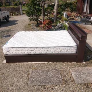 フランスベッド ダブルベッド (宮/照明/引き出し付き)