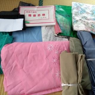服飾洋裁関係の学生支援 未使用の布地各種 裏地、接着芯、洋裁用小...