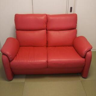 二人用ソファー、赤色、リクライニング調整有り